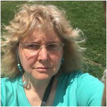 Author and blogger, SueAnn Porter.